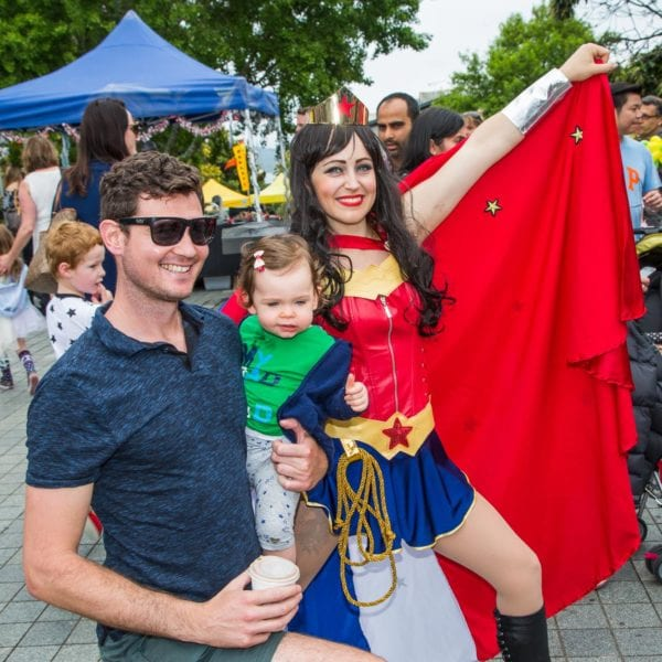 Wonderwoman strikes a pose in Takapuna with fans