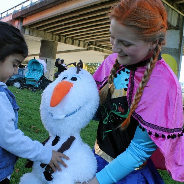 Frozen Anna & Olaf with young fan